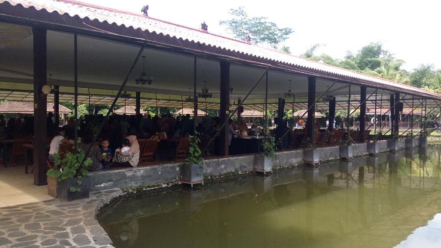 The West Lake Jogja Ruang Makan